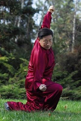 Позиция от Тай Дзи форма с Грандмайстор Чън Сяоуан