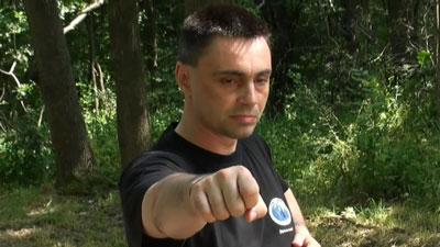 Майстор Сомов демонстрира фадзин ударна техника